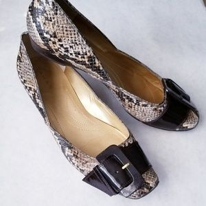 Tahari snakeskin flats with patent buckle 7M